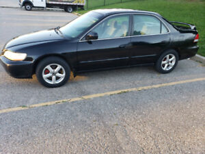 2002 Honda Accord- Comes with remote car starter!