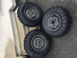 Tire maxxis at 25x10-12