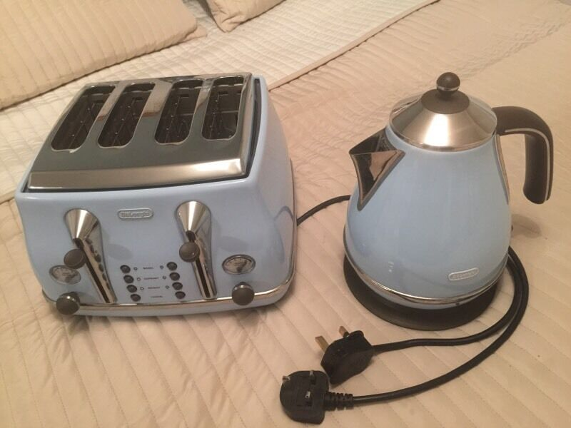 Retro Kettle And Toaster Blue Set Delonghi