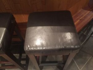 2 new condition bar stools Strathcona County Edmonton Area image 1