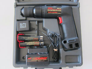 SKIL BATTERY OPERATED DRILL - NEEDS NEW CHARGER