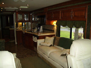 JUST REDUCED - 2002 FLEETWOOD RV EXCURSION DIESEL PUSHER - 39 FT St. John's Newfoundland image 2