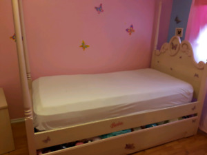 Bedroom set-twin (with mattress)