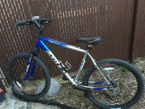 Blue Trek 4300 mountain bike