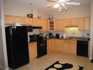 2 Bedroom 2 Bath 1000 sq ft condo Univ Hts Avail Immediatly