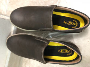 Casual shoes size 9 made by KEEN brand new
