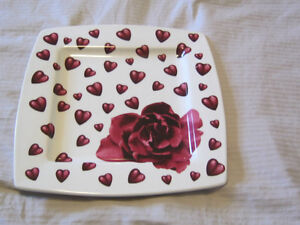 STONEWARE DISHES HEART DESIGN NEW MADE IN ITAY