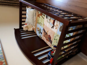Excellent used condition 4 in 1 Crib