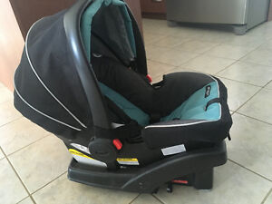 Grace Click Connect Car Seat and Base London Ontario image 2
