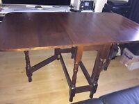 Traditional wooden dining table & chairs