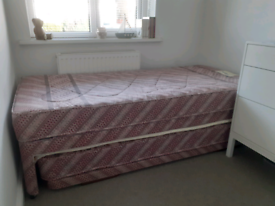 Guest bed with pull out, hardly used