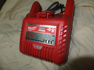 Milwaukee M28 Rapid Charger