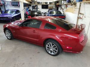 2008 Ford Mustang GT Coupe Premium Candy Apple 47,900KM .
