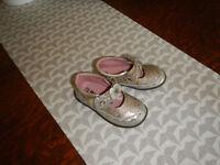 Hush Puppies Toddler Girls Shoes Sz 7