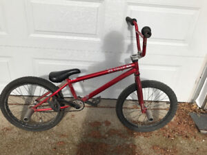 Mirraco velle bmx with 1664 pegs brakes removed