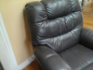 chocolate 100% leather recliner for sale really comfy$160.00