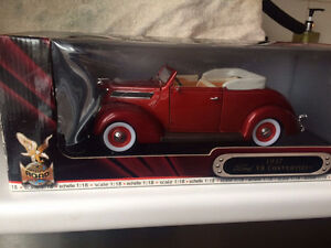 Ford 1937 V8 convertible diecast