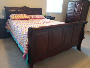 7 Piece Queen Size Wooden Bedroom Set (+Mattress & Box)