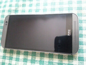 HTC M8 32gb Grey Unlocked in Excellent Condition!