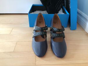 FLUEVOG SHOES - GREATER EXPECTATIONS MARY JANES
