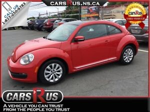 2012 Volkswagen Beetle 2.5L 2dr Coupe 6A w/ Sunroof