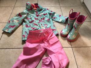 Hatley pony and dots rain jacket, boots, and splash pants
