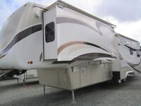 Mobile Suites 38' 5th whl travel trailer