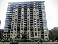 Downtown Windsor Gardens 41/2 for rent