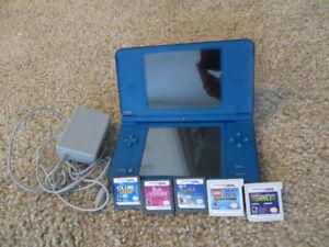 Nintendo dsi XL avec 5 jeux