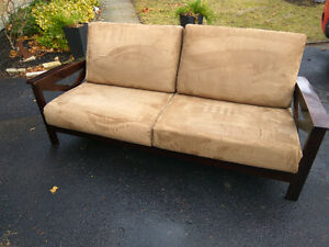Clean Modern Couch Cambridge Kitchener Area image 1