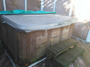 7 ppl Hot tub for sale!!!