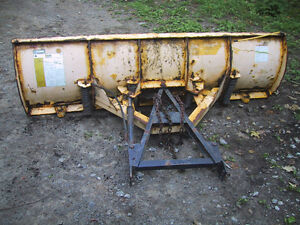 8' Fisher snowplow  with quick attach plate Kawartha Lakes Peterborough Area image 3