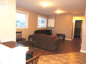 1 Bedroom Available For Female Student/Young Professional