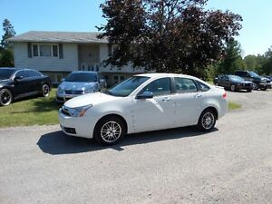 2011 FORD FOCUS SE -CLEAN NOT RUSTY - $5995. CERT & E-TESTED