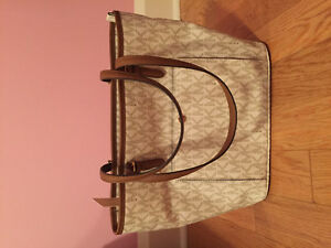 Brand New with tags MICHAEL KORS purse