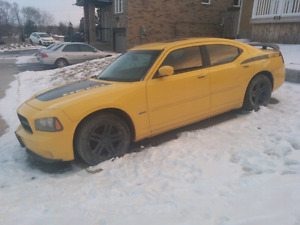Parting out 2006 dodge charger RT Daytona