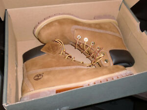 "Timberland Women's 6"" Waterproof Boots (Size 9) - Brand New"