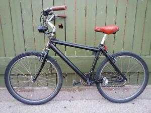 Maxam Bike -  Vintage Style Hybrid / Cruiser Bicycle