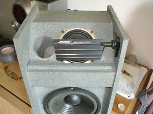 1 pair Bose 301speakers