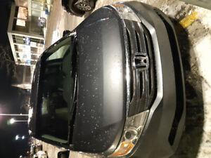 Honda Odyssey 2011- Low Mileage.