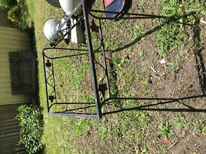 Vintage table base and 4 folding chairs