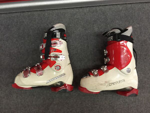 Atomic Race Boots With Booster Strap