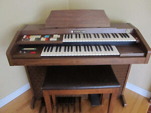 Hammond Organ with Bench for sale