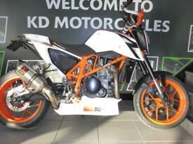 KTM DUKE 690 R - VERY SPECIAL NAKED STREET HOOLIGAN LOW MILEAGE EXTRAS