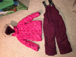 Gusti Snowsuit, Girls Size 6, New Condition