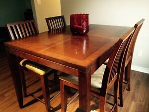 Almost New 7 Piece Pub Style  Table Set