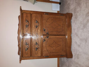 Small solid oak dresser good condition