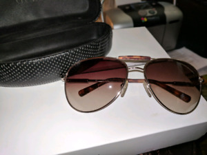 "NEW WOMENS ""GUESS""SUNGLASSES"
