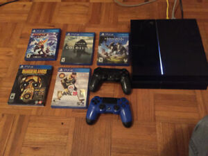 PS4 500gb, 2 Controllers, 5 Games