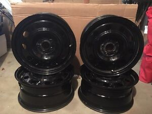 "17"" tire rims. Excellent condition  Cambridge Kitchener Area image 1"